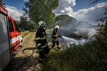 Drobné lesní požáry na Náchodsku přibývají. Hasiči zasahovali v minulých dnech na několika místech.