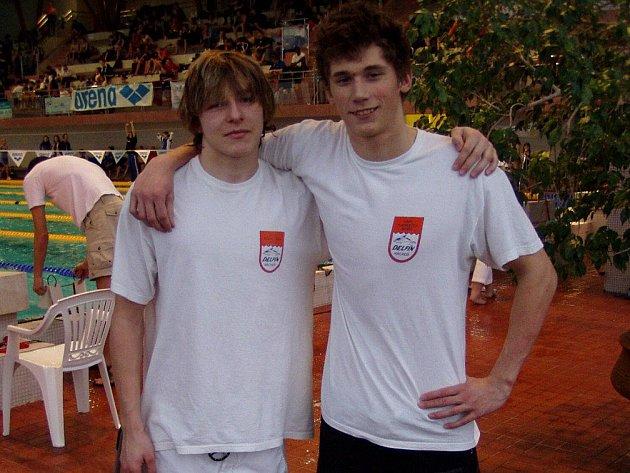 Dva úspěšní mladí vyslanci náchodského Delfína Martin Cöger a Pavel Janeček na MČR dospělých v Chomutově.