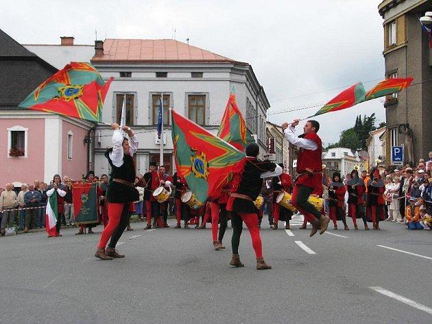 Z folklorního festivalu v Červeném Kostelci.