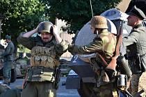"""STÁRKOVSKÉ NÁMĚSTÍ se opět po roce proměnilo v bojiště, na kterém se odehrávala """"Operace Market Garden""""."""