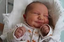 ANTONÍN FIALA z Josefova se narodil 18. dubna 2017 v 9.22 hodin rodičům Janě Klendrové a Antonínu Fialovi. Chlapeček vážil 3230 gramů a doma má sestřičky Kláru (14 let) a Karolínu (9 let).