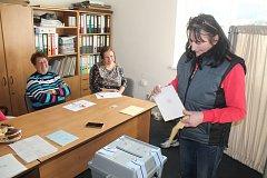 V Libchyni měly hlasy sečteny za pár minut.
