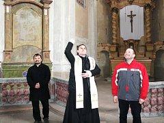 V sobotu požehnali obnově kostela sv. Markéty. Původní barokní památku čeká oprava střechy a oken.