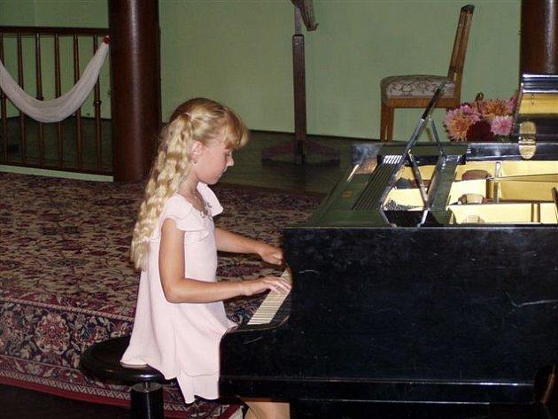 Osmiletá klavíristka Radka Gavlasová potvrdila svůj mimořádný talent.