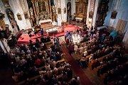 Sedmý koncert cyklu Za poklady Broumovska si do Otovic přišlo vyslechnout více než tři sta posluchačů. Koncert se zároveň stal vyvrcholením týdne letních hornových kurzů.