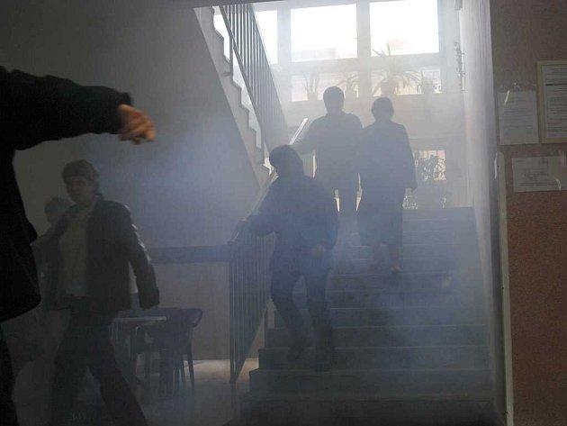 Evakuace studentů COP Hronov.