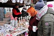 Adventní trhy v klášteře v Broumově.