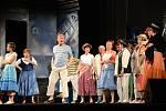 Komedie Poprask na laguně od Carla Goldoniho v podání Divadelního souboru Jiráskova divadla Hronov.