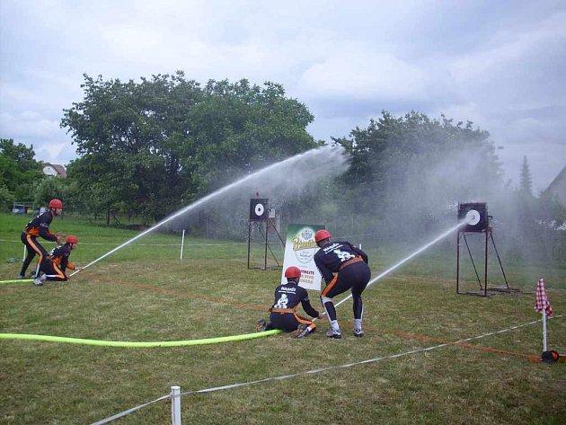 Překvapení hasičské ligy bylo mužstvo z Červeného Kostelce, které získalo druhé místo.