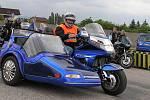 Spanilá jízda motocyklů z celé Evropy odstartovala od Rozkoše směrem na Kuks.