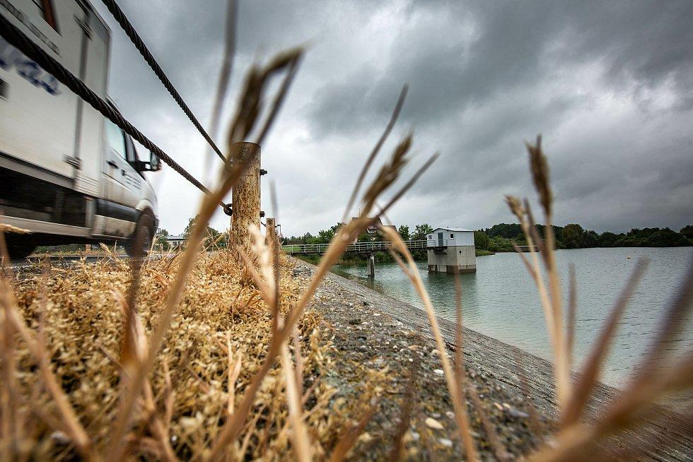 Déšť v posledních dnech naplnil vodní nádrž Rozkoš.