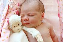 ELIŠKA LUXOVÁ z  Náchoda je druhým dítětem Jitky a Marka Luxových. Holčička vykoukla na svět  20. srpna 2017  v 5.34 hodin, vážila 3230 gramů a měřila 48 centimetrů. Na Elišku doma čeká sestřička Vendulka ( tři roky).