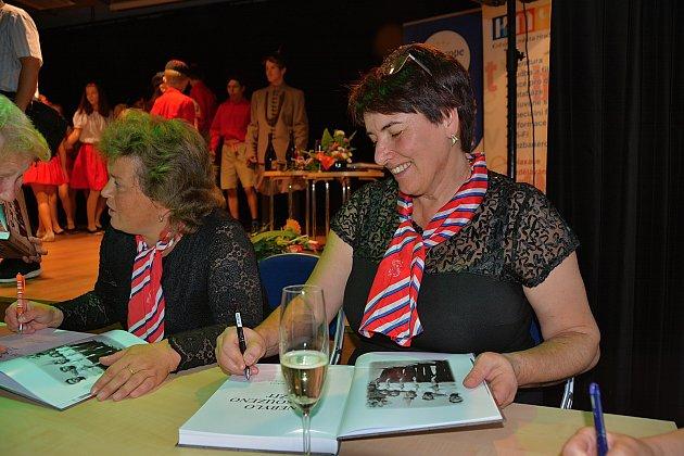 Helena Rezková, vydavatelka a starostka Sokolské župy Podkrkonošské-Jiráskovy. Vroce 2009založila vydavatelství a do současnosti vydala 35knih. Sokol je další její velkou láskou.