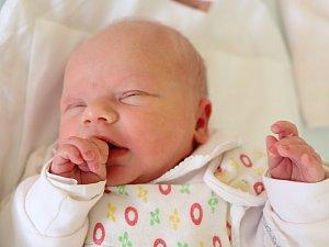 KRISTÝNA MACHOVÁ se narodila 9. prosince 2017 v 02,20 hodin, vážila 3035 gramů a měřila 47 centimetrů.  Rodiče Lucie a Václav Machovi i pětiletý bráška Lukášek jsou z Červeného Kostelce.