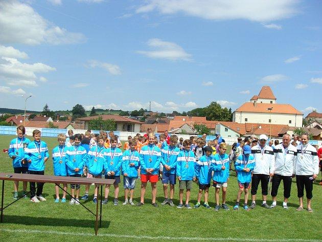 Vítězem semifinálového turnaje v Hluku na Moravě se stal Okresní fotbalový výběr Náchoda. Foto: Archiv OFS Náchod