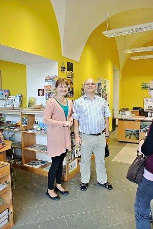 Posila Informačního centra Broumovska slečna Klaudia Głodek zNowe Rudy je překvapením pro polské turisty.