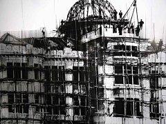 STAVBA OBCHODNÍHO A PRŮMYSLOVÉHO MUZEA v japonské Hirošimě od architekta Jana Letzela z Náchoda.