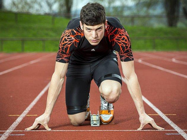 JAKUB NOSEK úspěšně kombinuje atletiku s boby, k nimž se dostal při studiích fyzioterapie.