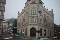 Chráněná kulturní památka ve stylu české renesance s freskami od Karla Špilara, nacházející se v centru památkové zóny, byla již delší dobu nevyužívána.