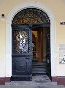 Dveře do radnice se otevírají samy, už není potřeba fyzická síla