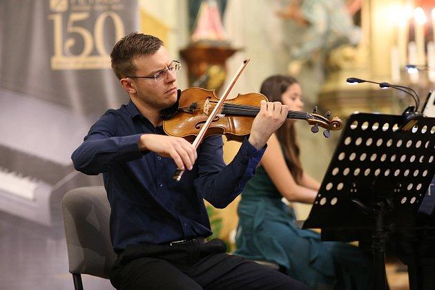 Bezděkovský kostel hostil rakouské Accio Piano Trio ve složení Clemens Böck (housle), Christina Scheicher (klavír) a Sebastian Bertoncelj (violoncello).