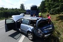 Dopravní nehoda osobního a nákladního vozidla v katastru Jaroměře.