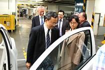 Podnik Saar Gummi v Červeném Kostelci navštívil čínský velvyslanec Yu Qingtai.