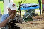 Dřevosochaři s motorovou pilou na Hořičkách