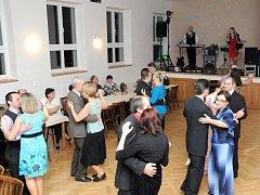 Jubilejní čtyřicátý ples se konal ve zrekonstruovaném kulturním domě v Suchém Dole. Pořádal ho Spolek Suchodolských žen.