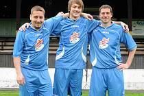 HRÁČEM měsíce června projektu Gambrinusu Kopeme za fotbal se stal Filip Svoboda (uprostřed) z Červeného Kostelce B.