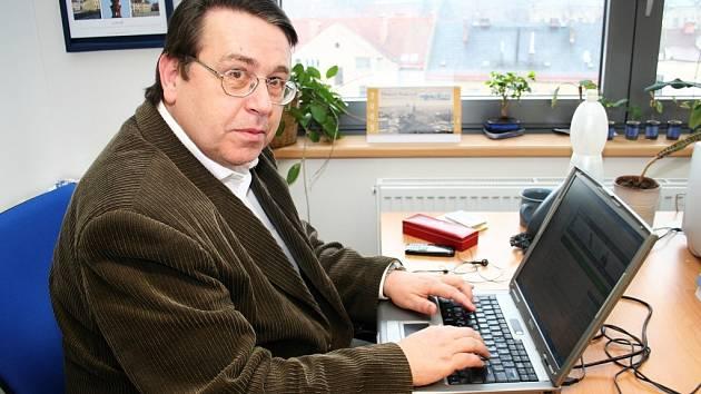 Královéhradecký Hejtman Lubomír Franc při online rozhovoru Náchodského deníku.