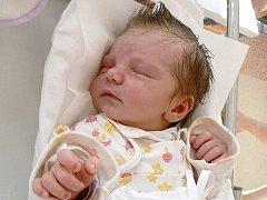 EMA MELICHAROVÁ se narodila 10. října 2011 ve 3:30 hodin s délkou 50 centimetrů a váhou 3,65 kilogramu. S rodiči a sourozenci bydlí ve Velkém Poříčí.