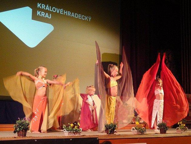 Vystoupení taneční skupiny Zahir z Police nad Metují bylo překvapením slavnostního vyhlášení.