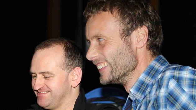 DVA SMÍŠCI. Nevidomý horolezec Jan Říha (vlevo) a jeho kamarád Jan Trávníček.