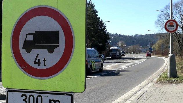 Rekonstruovaný úsek silnice 1/33 byl otevřen