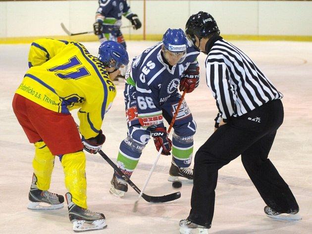 Hokejové utkání Hronov - Semechnice.