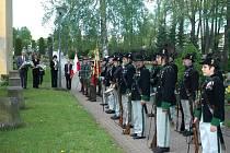 Na hřbitově v Polici nad Metují se uskutečnila pietní akce k uctění památky obětí 2. světové války a k 67. výročí vítězství nad fašismem.