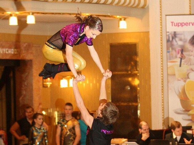 V Městském divadle Dr. Josefa Čížka v Náchodě se uskutečnilo mistrovství České republiky kategorií žáci, junioři a kategorie B v akrobatickém rokenrolu.