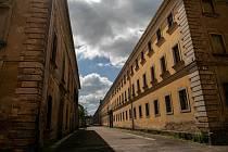 Jaroměř láká svým historickým vzhledem české, ale i zahraniční filmaře. Obzvláště pak v městské části pevnosti Josefov, kde vznikají převážně válečné snímky.