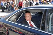 Václav Klaus navštívil Náchodsko jako prezident v roce 2007. Zavítal i do Police nad Metují, kde ho vítali s velkou pompou.