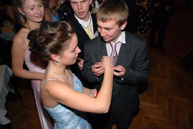 Věneček zakončil taneční kurz v Hronově.