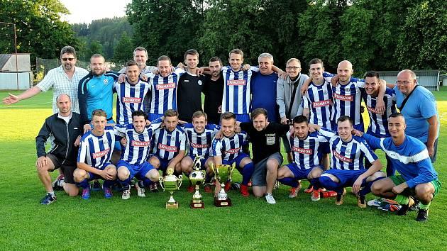 POHÁR hejtmana Královéhradeckého kraje získali fotbalisté Náchoda, kteří porazili Libčany až po pokutových kopech. V normální hrací době skončil zápas 2:2.