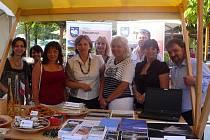 Po vyhlášení výsledků a předání ocenění v slovinské Rogašce Slatině se Broumov navždy zapsal do historie prestižní soutěže Entente Florale Europe (EFE) jako sídlo oceněné stříbrnou plaketou.