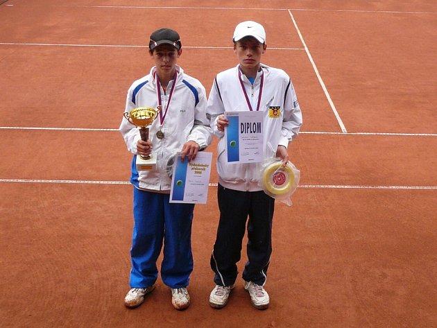 Patrik Matouš obdržel na východočeském přeboru hned dva tituly. První jako východočeský přeborník a druhý ve dvouhře.