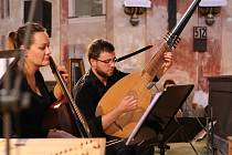 Kostel sv. Anny ve Vižňově otevřel v sobotu 18. srpna své brány festivalu Za poklady Broumovska. Během osmého koncertu měli diváci možnost poslechnout si duchovní i světské skladby v podání ensemble Castelkorn.