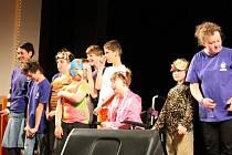 Základní škola a Mateřská škola Josefa Zemana v Náchodě připravila už čtvrtý ročník hudebně divadelního festivalu žáků speciálních škol regionu.