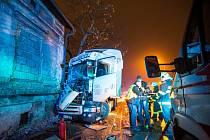Nehoda kamionu v Novém Městě nad Metují