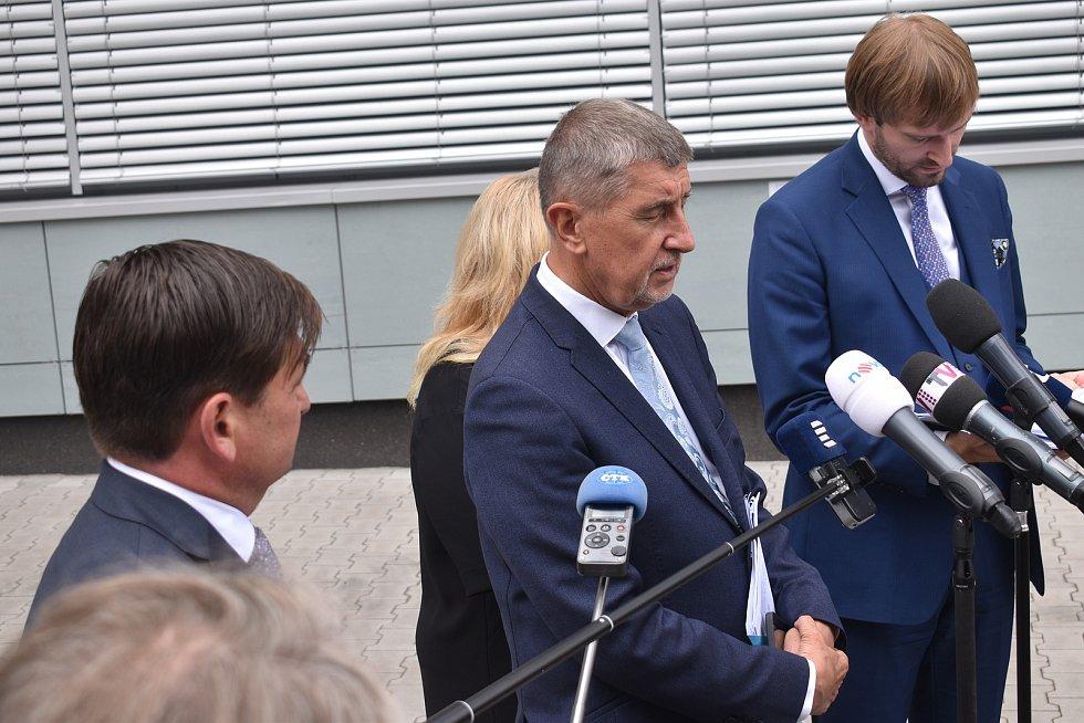 Premiér Andrej Babiš a ministr zdravotnictví Adam Vojtěch považují covidovou záležitost olympioniků za nepochopitelnou.