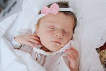 KRISTÝNA HUSTÁKOVÁ z Nového Města nad Metují poprvé spatřila světlo světa 25. února 2017 v 19.25 hodin. Holčička vážila 3520 gramů a měřila 50 centimetrů. Z prvorozeného děťátka se radují šťastní rodiče Šárka a Lukáš Hustákovi.