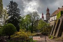 Na zámku byl otevřen prohlídkový okruh, na němž se návštěvníci seznámí s historií posledních šlechtických majitelů – rodu Schaumburg-Lippe.V celkem čtrnácti místnostech poodhalí tajemství životních osudů jednoho z nejvýznamnějšího, byť často opomíjeného š